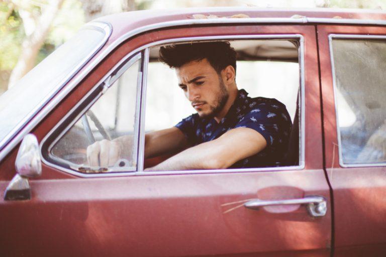 האם נהגים צעירים באמת חשופים ליותר סכנות?